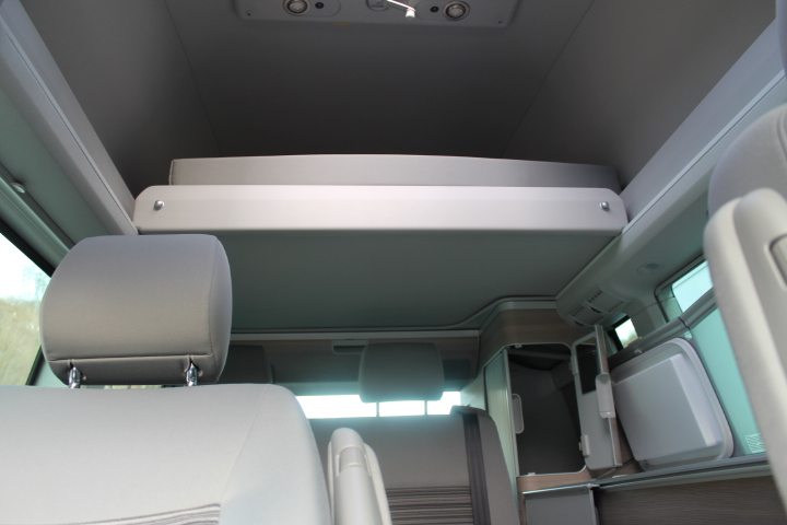 vw t5 california mit polyroof dach garage ruedi strub ag. Black Bedroom Furniture Sets. Home Design Ideas