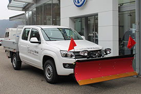 VW Amarok-mit-Schneepflug